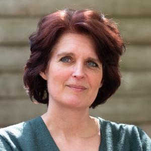 Esther Allart Vlokhoven opleidingen